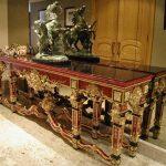 Console, table d'appoint, rouge, écaille de tortue, baroque, or, décor, design d'intérieur, faux fini