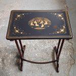 Table antique laquée restaurée